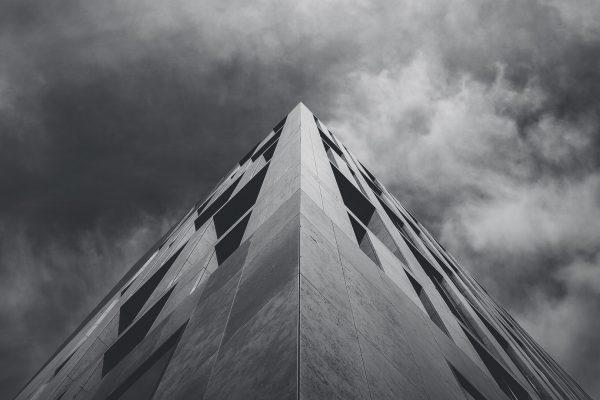 bg_building_wclouds
